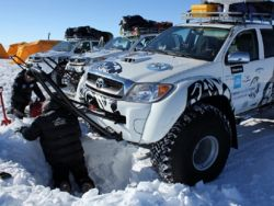 Three vehicles like this one to do the double traverse Novolazarevskaia > McMurdo and back!
