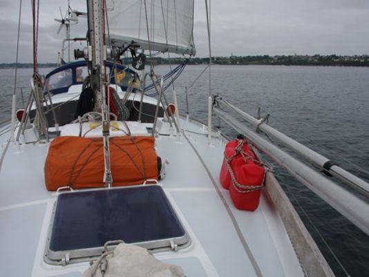 17 May 2011, Avannaq is about to take the Denou Channel just outside Paimpol to set sail for England