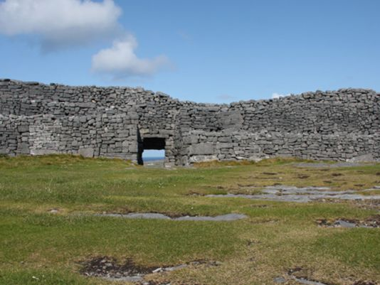 Inish More, Dún Aonghasa's fort, build XI BC