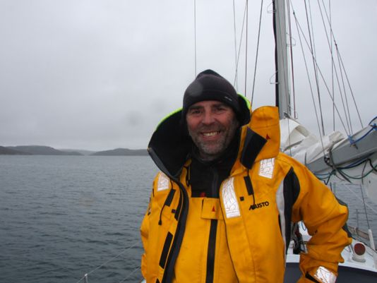 Skipper Pierre happy to pass the mile 3.000  from  Granville and to feel home again.