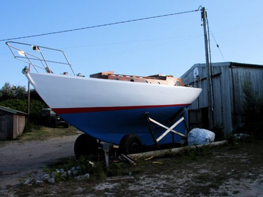 In our ever lasting quest for vintage boats we came across a superb 32 foot Watson built in 1963