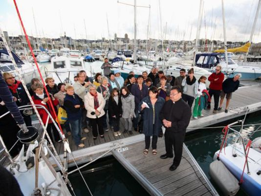 15/5/2011. At 8am as planned, following a farewell breakfast at the Granville Yacht Club, the blessing of