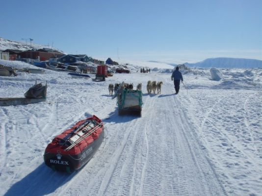 Arnaud Tortel and Didier Goetghebuer, two of A. Hubert's old friends, set off on May 29th from Quaanaaq, a village located on the West coast of Greenland.